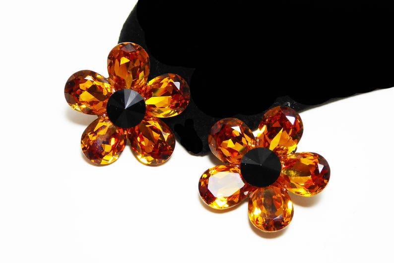 Vintage 1990s Daisy Flowers Gold Tone /& Black Flower Clip on Earrings Signed Joni Crystal Glass Teardrops Black Faceted Rhinestones