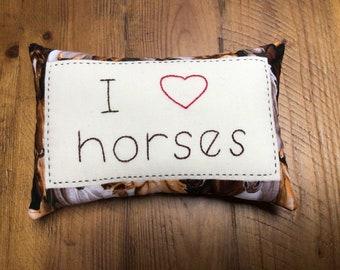 I love horses pillow