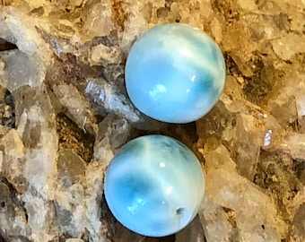 Larimar AA+ matched pair smooth round beads, 10mm sky blue Turtleback pattern