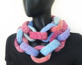 Macaroon Chain Infinity Scarf - Winter scarf Pink Blue Infinity Chain Link Scarf - Warm Winter Cowl - Gift for Sister daughter friend mother
