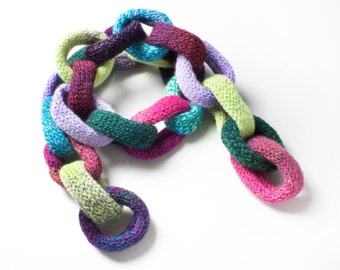 Gumdrops Chain Scarf • Unique Warm Winter Scarf • Cute and Colourful Chain Link Scarf • Unusual Christmas gift for her, girlfriend, daughter