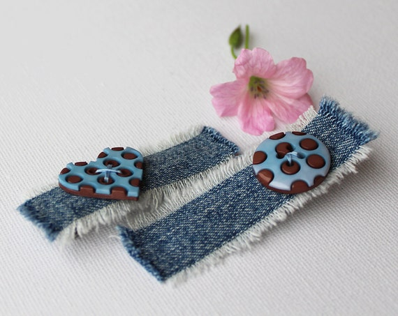 Hair Grips Duck Egg Blue Heart and Circle Hair Clips. Pair of blue alligator clips for hair. Cute clip hair accessories for Valentine's Day