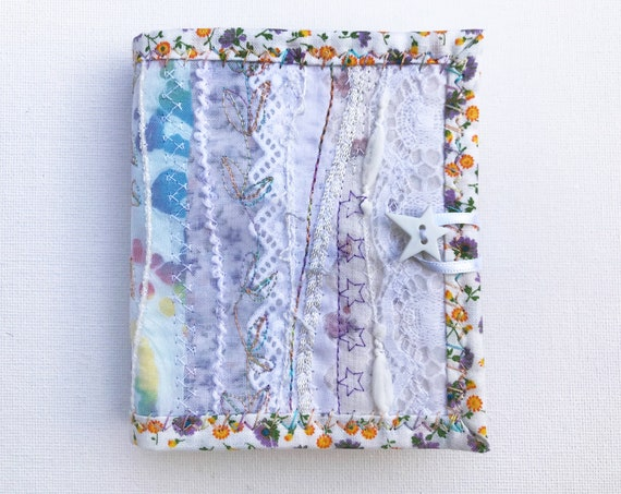 Daisy White Needle Book - Gift for someone who likes to sew - White Needle Book for sewing kit organisation - Needlework Case White floral