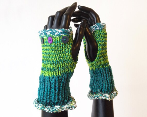 Fingerless Glove Handwarmers - Picnic Frilly Fingers - Green Fingerless Mitts Wrist Warming Gloves