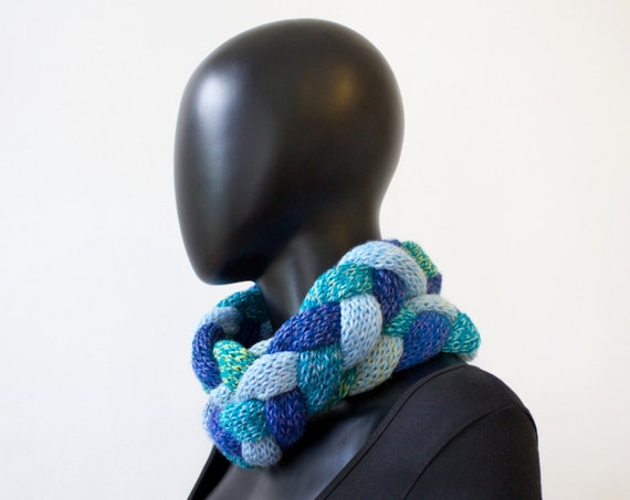Ocean Waves Braided Cowl - Chunky Blue Infinity Scarf - Cosy Cowl for Winter