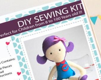 Doll Kit de couture, l'artisanat feutre enfants, Kit de couture de feutre dans une boîte, 8 + artisanat ans, pas besoin de machine à coudre A820