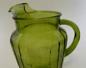 Anchor Hocking Sprucewood Avocado Green Glass Pitcher 86 oz Vintage