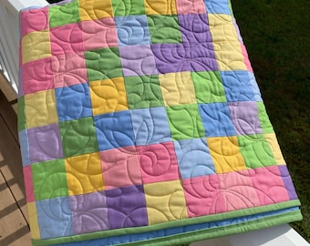 Colorful Pastels Quilt, Baby quilt, Picnic quilt, throw