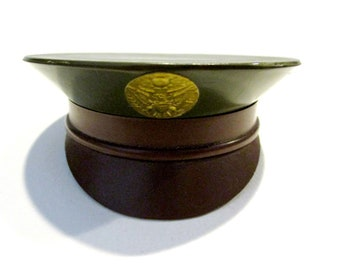 5c139c947bd Vintage Military Army Hat Powder Compact 1940 s WWII AS IS No Mirror  Collectible Compact