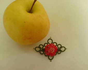 Tatted brooch Rose in red