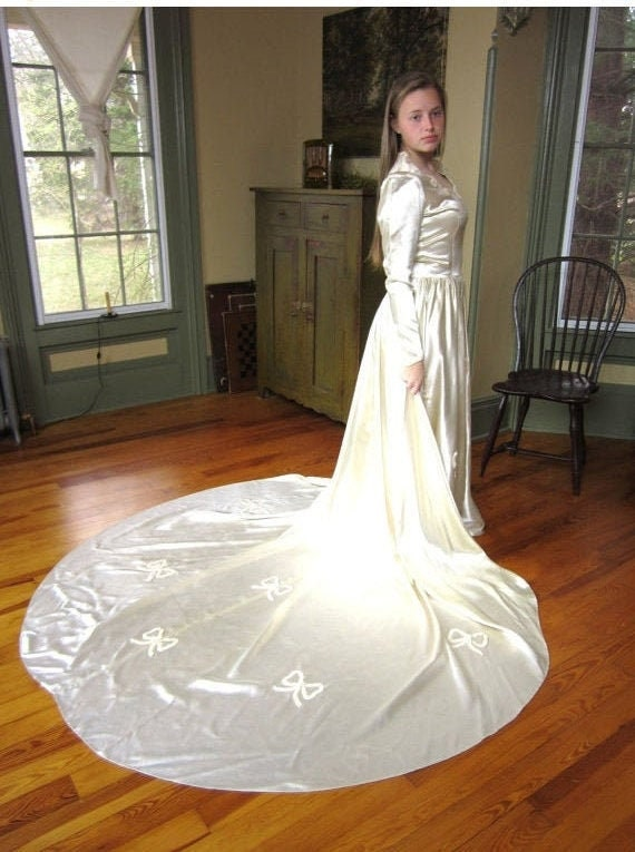 1940s Ivory Wedding Dress Gown