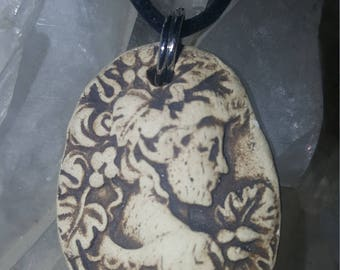 Cameo Handmade and carved Aromatherapy Pendant Essential Oil Diffuser