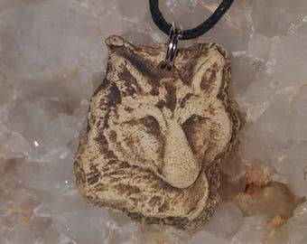 El Lobo The Wolf Aromatherapy Essential Oil Diffuser Pendant