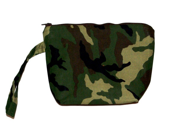 2e6f48248d57 Camo Camouflage Wristlet Cosmetic Zippered Little Bag