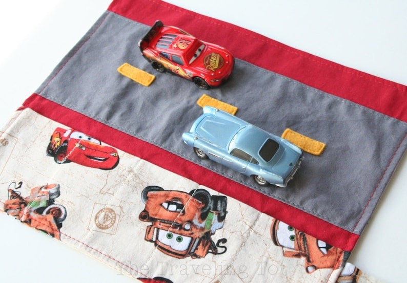 Car Caddy Roll Up w/ Road Play Mat  Mater and McQueen  image 0