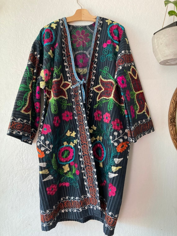RARE!! Beautifully Embroidered Intricate Velvet Fl