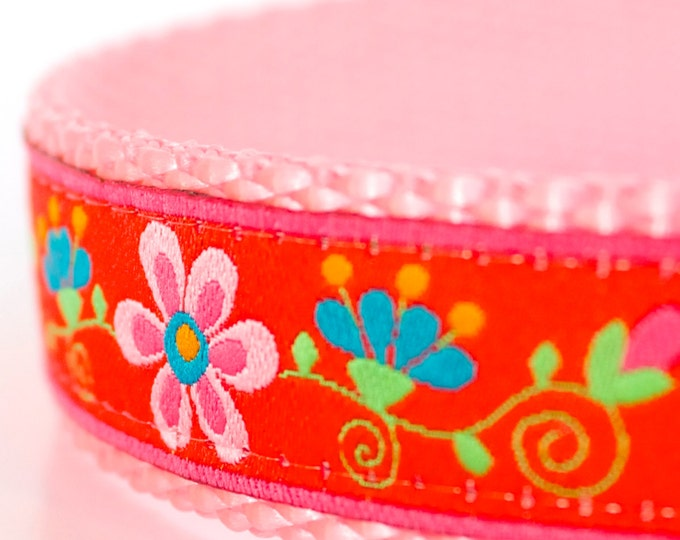 Pretty Gardens Dog Collar, Red Pet Collar, Flower Dog Collar, Girl Floral Collar