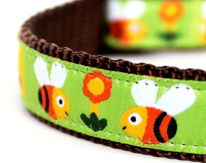Buzzing Bumble Bees Dog Collar, Adjustable Pet Collar,  Spring, Garden