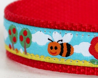 Bees in the Garden Adjustable Dog Collar Springtime Dog Collar