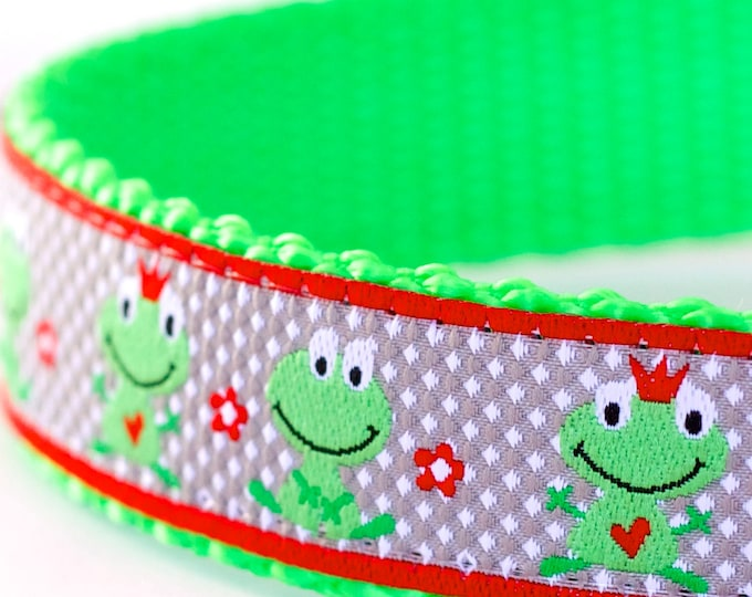 QUICK SHIP Happy Frogs Dog Collar, Green Pet Collar, Ribbon Dog Collar