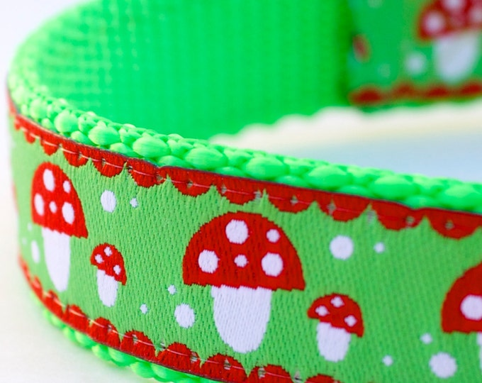 Modern Mushrooms Dog Collar, Lime Green Pet Collar, Adjustable, Ribbon dog collar