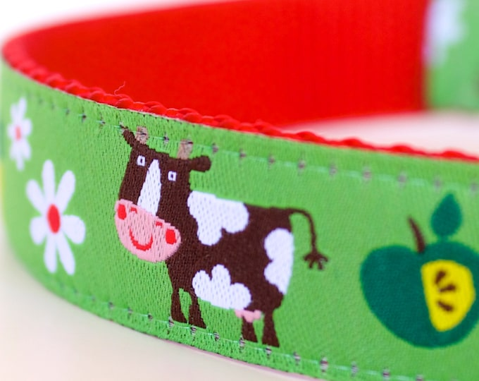 On the Farm Dog Collar, Green Pet Collar, Adjustable Ribbon Collar, Pig, Cow, Animal Dog Collar