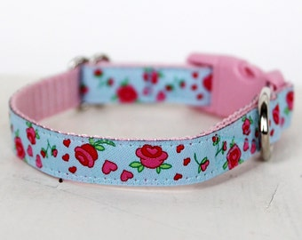 Blue Rosebud Dog Collar, 1/2 inch width, Cat and Teacup Dog Collar, Puppy Dog Collar, Small Dog