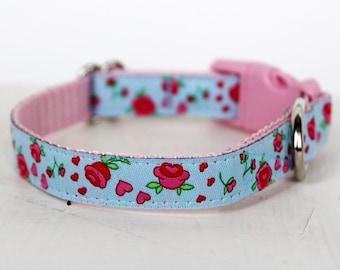 Blue Rosebud Dog Collar, 1/2 inch width, Cat and Teacup Dog Collar, Puppy Dog Collar, Small Dog
