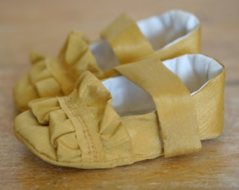 Sale - Ruffle Gold Mary Jane Baby Girl Shoes, Baby Booties, Flower Girl Shoes, - Ready to Ship