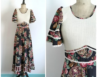 Vintage 1970s  Bohemian Hippie Cashmere and Roses Print Cotton Maxi Day Dress C&A / Size Small