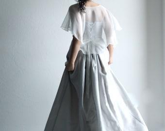Bridal capelet, Wedding Capelet, bridal cape, wedding shrug, wedding cape, silk shawl, wedding cover up, wedding shawl, silk bridal stole