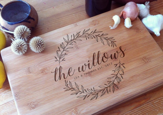 Custom Cutting Board, Wood Chopping Board with Wreath & Calligraphy Design - Personalized Wedding Gift, Anniversary Gift, Housewarming Gift