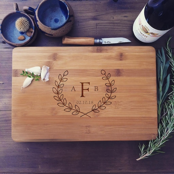 Personalized Cutting Board, Custom Wedding Gift, Initial Monogram, Hostess Gift, Christmas Gift, Chopping Board, Butcher Block