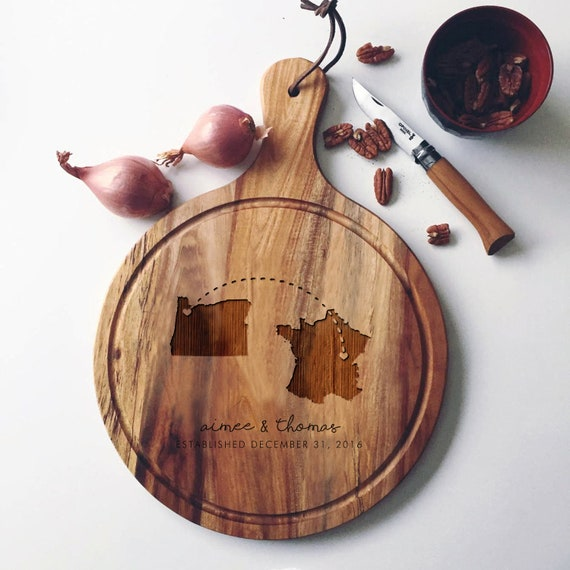 Personalized State Cutting Board, Acacia Wood Charcuterie Board, Custom Cheese Board / Long Distance Wedding Gift or Engagement Gift