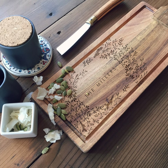 Personalized Cheese Board, Custom Charcuterie Board, Wooden Tapas Board with Your Names and Text / Wedding Gift or Closing Gift Idea