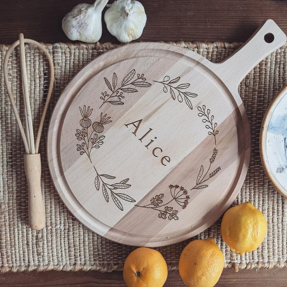 Custom Charcuterie Board, Engraved Cheese Board, Personalized Wedding Gift with Hand Drawn Wreath Etched Name or Initials