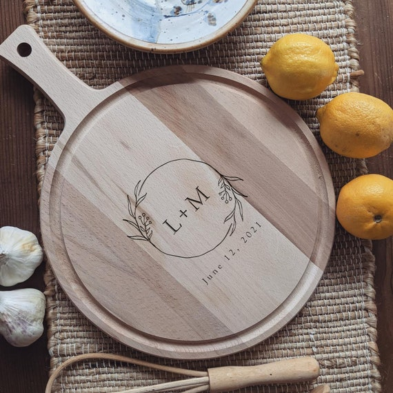 Personalized Charcuterie Board, Custom Cutting Board, Cheese Board Wedding Gift, Engraved Cutting Board with Initials