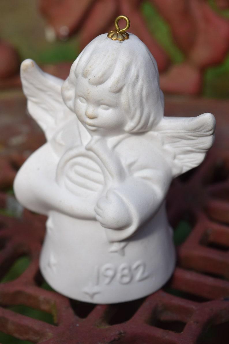 NIB FREE SHIPPING Vtg Goebel 1982 Seventh Edition Angel Bell Annual Christmas Tree Ornament