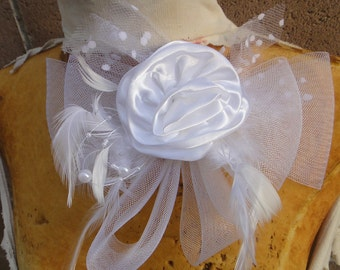 Cute  flower with  bow and beads white color