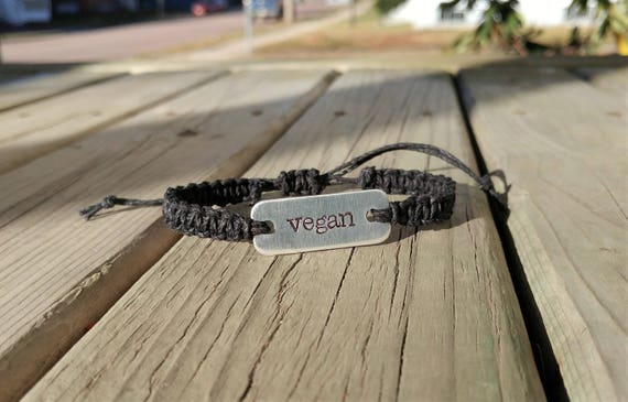 Vegan stamped bracelet // macrame hemp bracelet