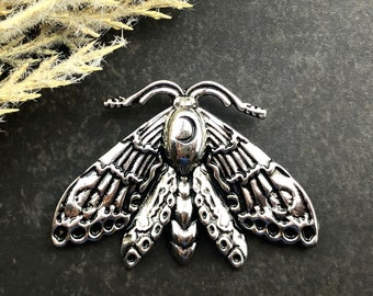 1pcs Small Luna Moth Charm - Wiccan Jewelry Statement Pendant - Bug Necklace Earring Charm - MoonLightSupplies