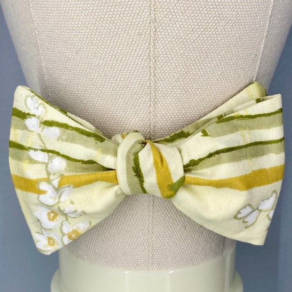 Lily of the Valley Bow Tie