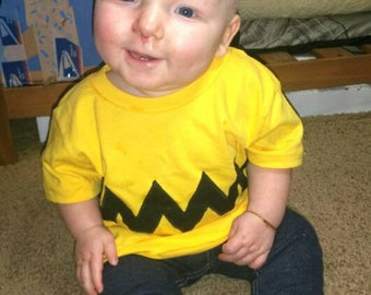 Charley Brown T-Shirt Baby Boy Appliqies  front and back Yellow cotton T-shirt with Black chevron very cute and sweet