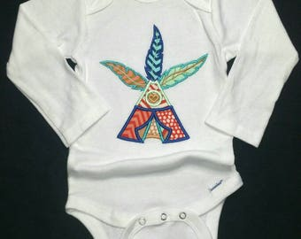 Native baby Boy White onesie Thanksgiving applique Tee Pee feathers 12 mos 6 mos 3 to 9 mos 12mos NB 2T 3T handmade short long sleeve nice