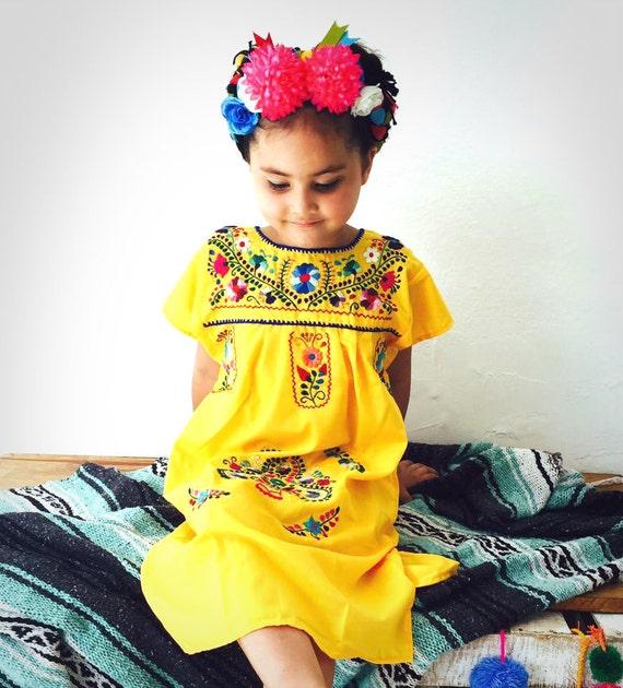 17a6b5c67 Vestido Bordado Mexicano para Niña Amarillo