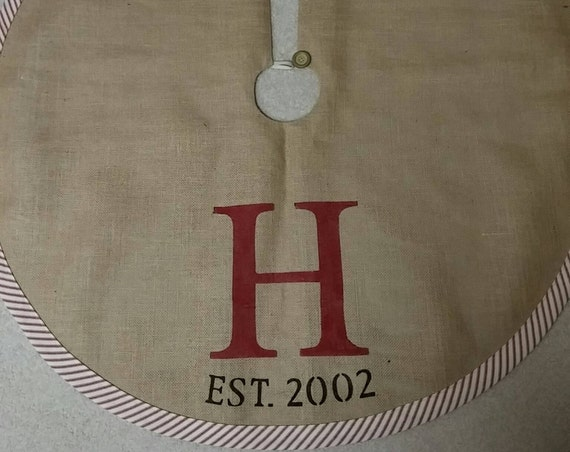 Personalized lined burlap tree skirt