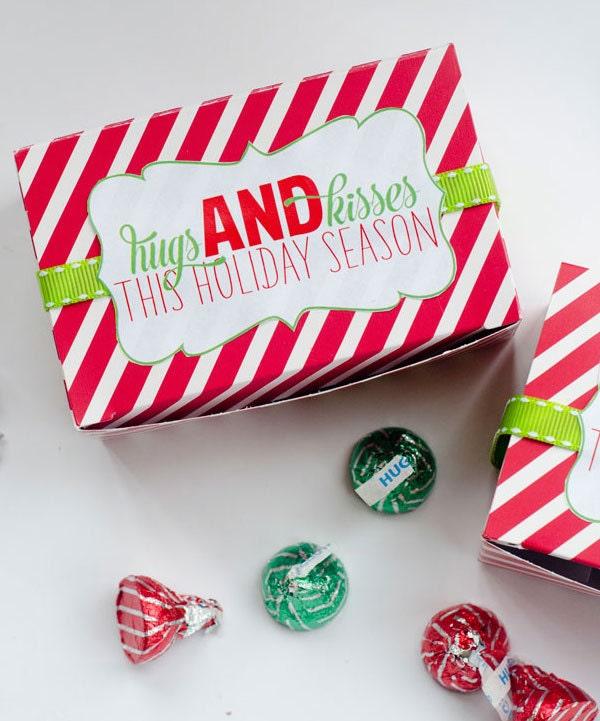 Christmas PRINTABLE Neighbor Gift Tag HUGS & KISSES by ...