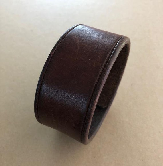 Handmade Women's Brown Leather Cuff Bracelet (7.0 inches)