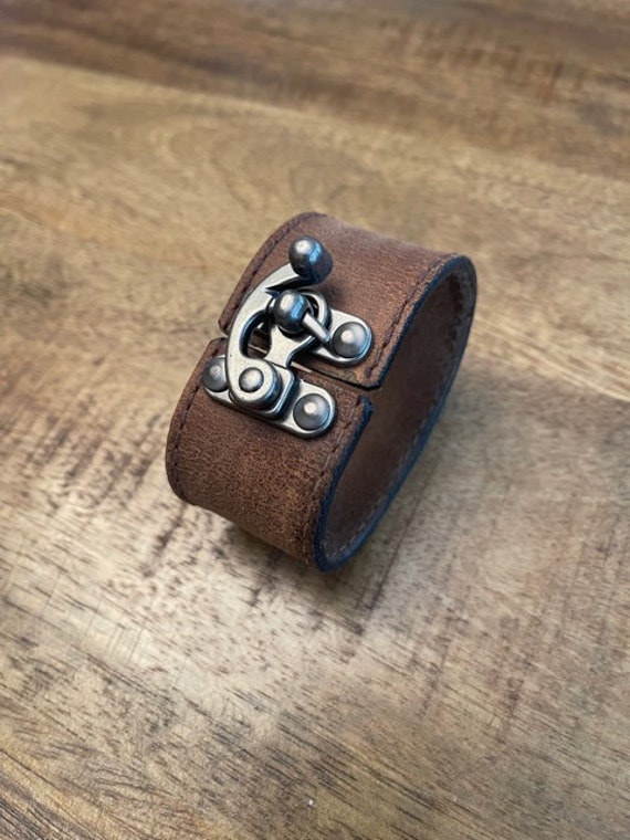 Brown Leather Bracelet with Flip Latch, Brown Leather Cuff, Handmade Leather Bracelet, Leather Bracelets for Women, Leather Bracelet for Men