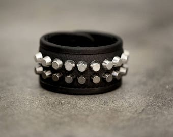 LA PLAYA Metal and Leather Studded Cuff